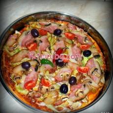 Пица с бекон и кашкавал