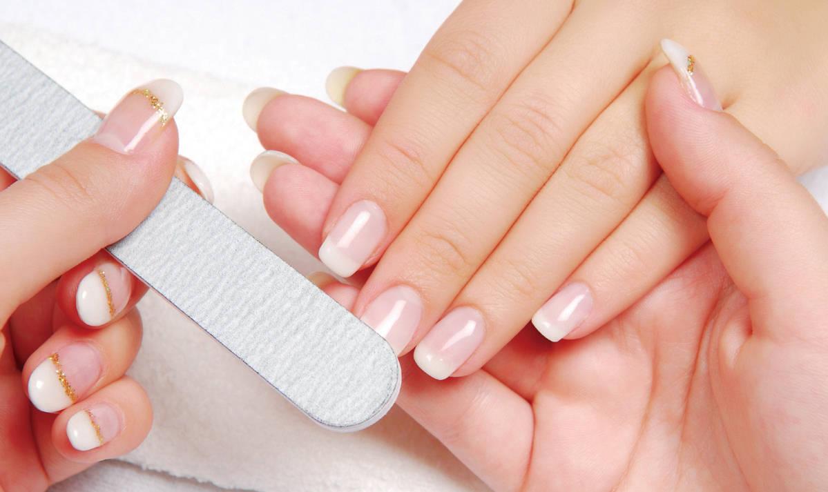 грижа за ноктите с пила