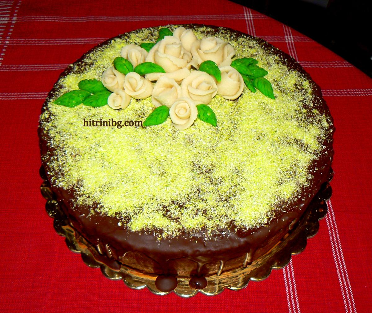 захарно тесто върху торта