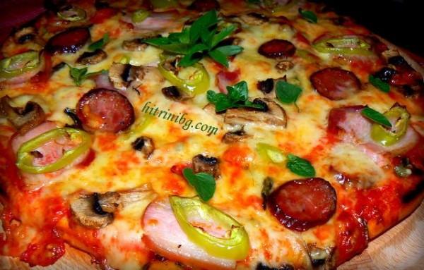 пица с пушена наденица