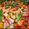 Пица на плоча с бекон.