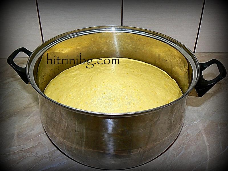 втасване на тестото за козунак със суха мая