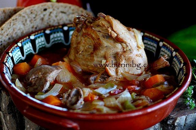 заек в гърне с лук и моркови