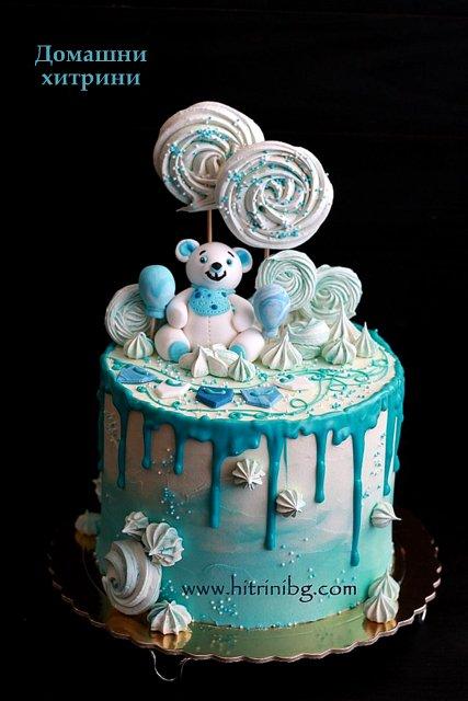 Готовата торта за бебето