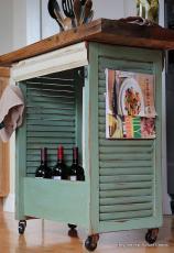 Ретро шкаф за вино....