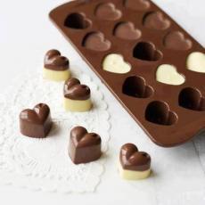 Шоколад и любов във форма на сърце