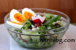 Зелена салата с яйце
