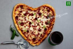 Пица сърце с любимите ви продукти