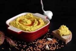 Хумус от червена леща