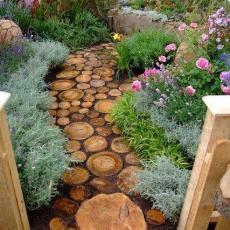 Полезен път през градината